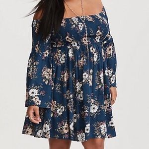 Torrid smocked bell sleeve Challis dress